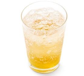 モスバーガー「瀬戸内産はっさくレモン ジンジャーエール(はっさく果汁0.5%、レモン果汁0.2%使用)」